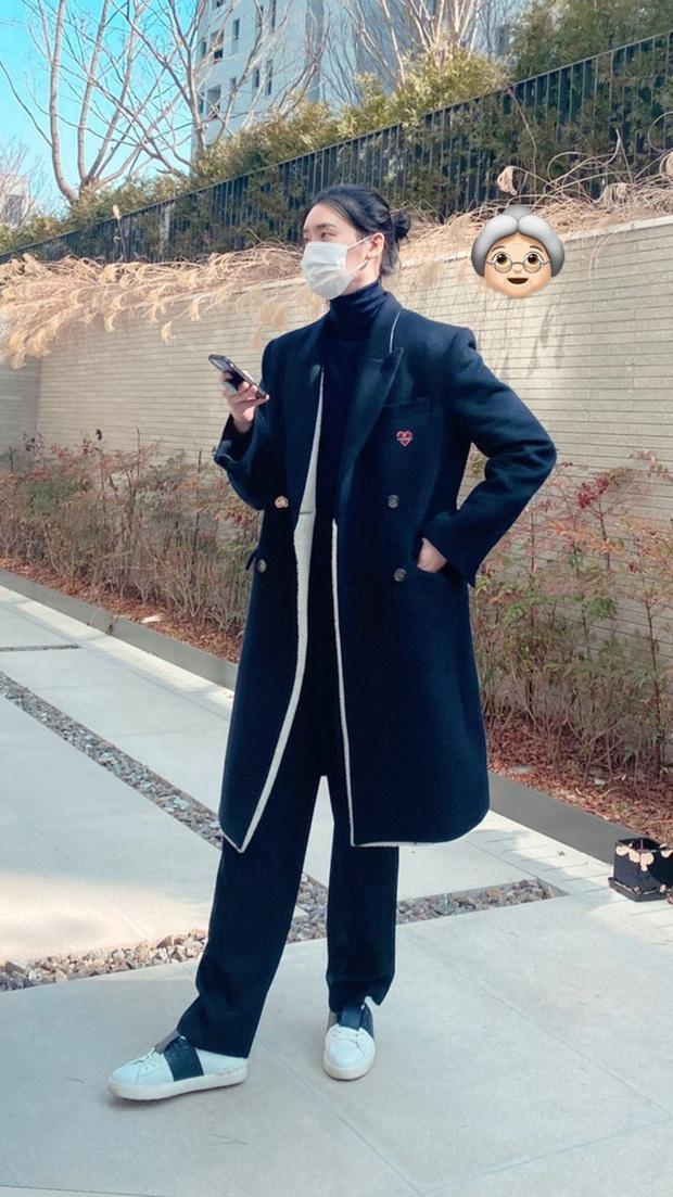 Lee Jong Suk ngày càng xuống dốc nhan sắc, nhận không ra nam thần Kbiz một thời với mái tóc dài buộc cao - Ảnh 2.