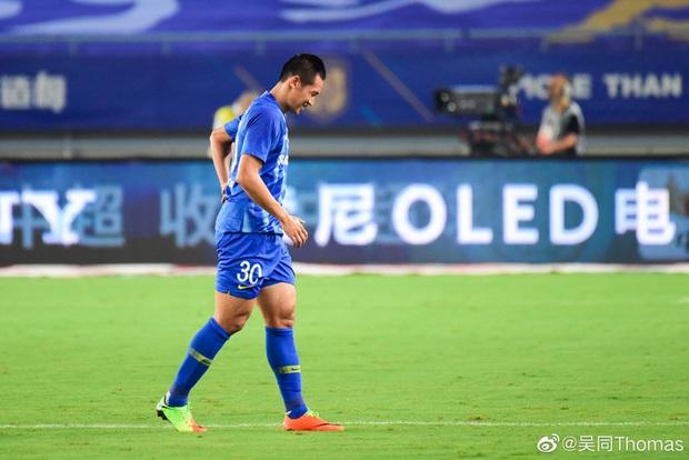 Cầu thủ lao đao sau khi nhà vô địch Trung Quốc tuyên bố dừng hoạt động: Người bán nhà, người cuống cuồng đi làm thêm - Ảnh 3.