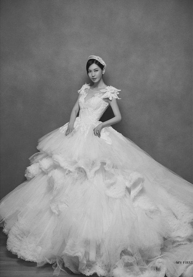 Bộ ba nữ chính Penthouse diện váy cưới: Tiểu tam lồng lộn hết cỡ nhưng có đánh bại được sự tinh tế của bà cả Lee Ji Ah? - Ảnh 8.