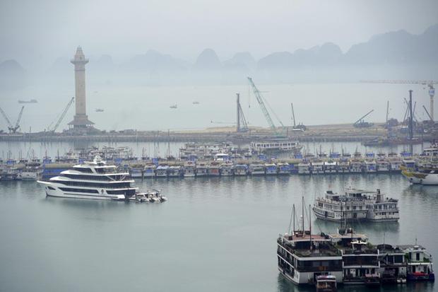 Mở cửa du lịch nội tỉnh, Hạ Long vẫn vắng như chùa bà Đanh - Ảnh 11.