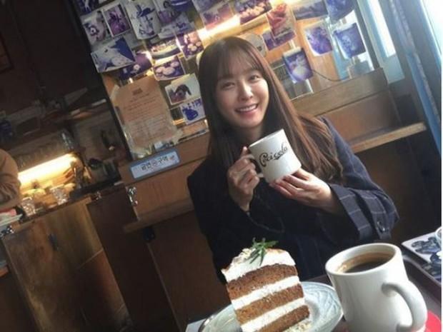 Lạ đời dàn mỹ nhân tăng cân vẫn xinh đẹp hiếm thấy: Shin Min Ah đáng yêu hết nấc, mỹ nhân Quân Vương Bất Diệt được netizen khen nức nở - Ảnh 11.