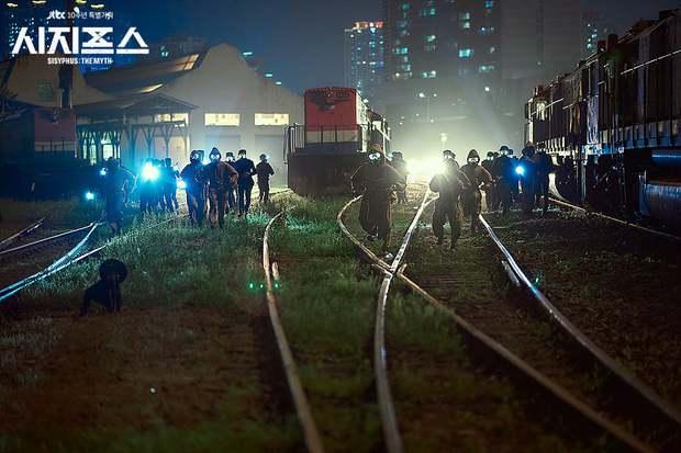 Kỹ xảo 3 xu thêm biểu cảm sượng trân của Park Shin Hye, bảo sao Sisyphus không thua đau ở đường đua phim Hàn - Ảnh 5.