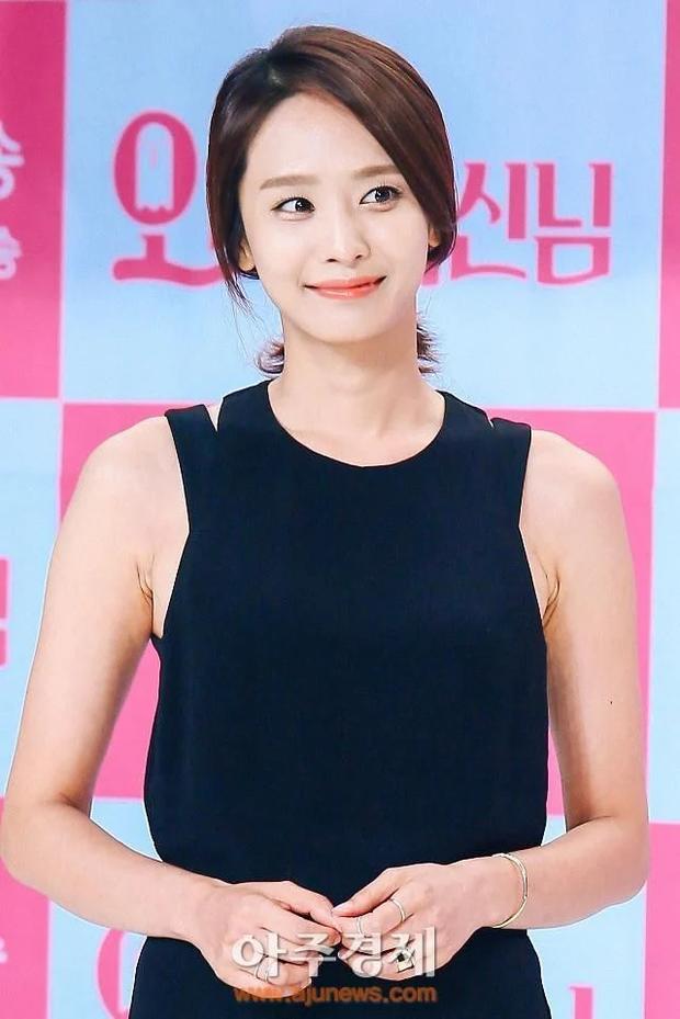 Lạ đời dàn mỹ nhân tăng cân vẫn đẹp hiếm thấy: Mỹ nhân Quân Vương Bất Diệt được khen nức nở, bạn gái Kim Woo Bin trẻ ra bất ngờ - Ảnh 9.