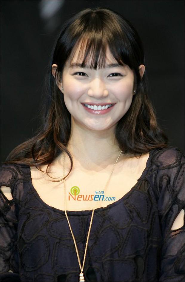 Lạ đời dàn mỹ nhân tăng cân vẫn đẹp hiếm thấy: Mỹ nhân Quân Vương Bất Diệt được khen nức nở, bạn gái Kim Woo Bin trẻ ra bất ngờ - Ảnh 8.