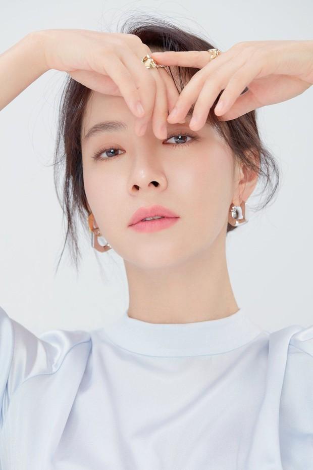 Knet bất ngờ đào lại ảnh mợ ngố Song Ji Hyo từ thời đóng Hoàng Cung, ăn thịt đường tăng hay gì mà trẻ vậy? - Ảnh 19.