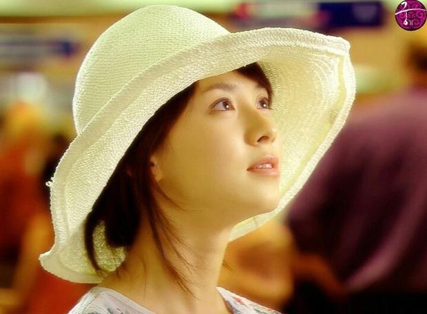 Knet bất ngờ đào lại ảnh mợ ngố Song Ji Hyo từ thời đóng Hoàng Cung, ăn thịt đường tăng hay gì mà trẻ vậy? - Ảnh 8.