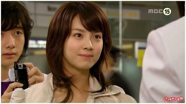 Knet bất ngờ đào lại ảnh mợ ngố Song Ji Hyo từ thời đóng Hoàng Cung, ăn thịt đường tăng hay gì mà trẻ vậy? - Ảnh 6.