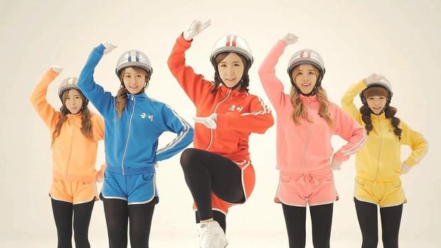 TWICE được cứu vớt khi bài debut lội ngược dòng sau 3 tháng, EXID và hàng loạt nhóm Kpop kém nổi thoát cảnh tan rã nhờ hit nở muộn - Ảnh 17.