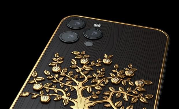 iPhone mạ vàng 18k của Vũ Khắc Tiệp tưởng đã xịn xò, nhưng vẫn chưa là gì nếu so với chiếc iPhone ốp gỗ táo, nạm kim cương, giá trăm triệu này! - Ảnh 2.