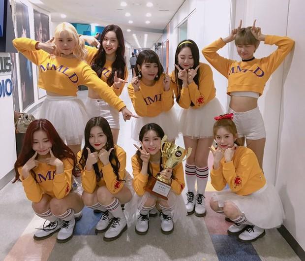 TWICE được cứu vớt khi bài debut lội ngược dòng sau 3 tháng, EXID và hàng loạt nhóm Kpop kém nổi thoát cảnh tan rã nhờ hit nở muộn - Ảnh 7.
