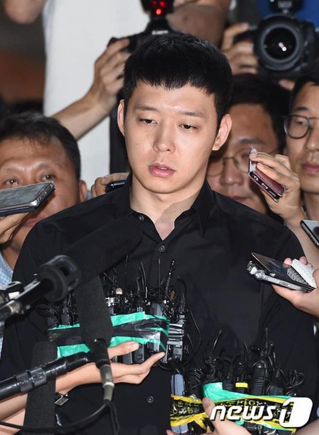 5 diễn viên tanh bành sự nghiệp vì bê bối đời tư: Ji Soo bạo lực học đường chưa bằng phốt liên hoàn của Trịnh Sảng - Ảnh 14.