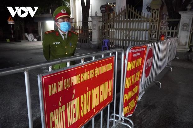 Tái phong tỏa một số xã, phường ở Kinh Môn nhưng không nhất thiết phải đủ 14 ngày - Ảnh 1.