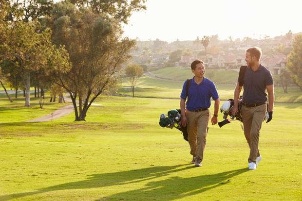 Từng nghĩ đàm phán trên sân golf là trò vô bổ, CEO này đã thay đổi quan điểm sau trải nghiệm nhớ đời: Không phải ngẫu nhiên golf được giới doanh nhân giàu sang lựa chọn - Ảnh 2.