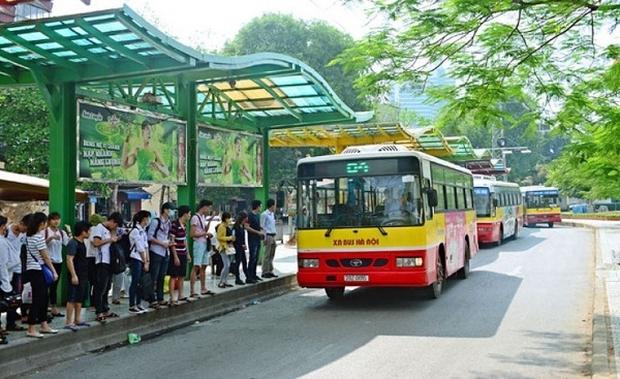 """Hà Nội """"tháo"""" giãn cách trên các phương tiện vận tải hành khách công cộng - Ảnh 1."""