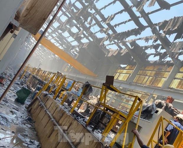 Cháy lớn tại Khu công nghiệp Sóng Thần 2 Bình Dương - Ảnh 3.