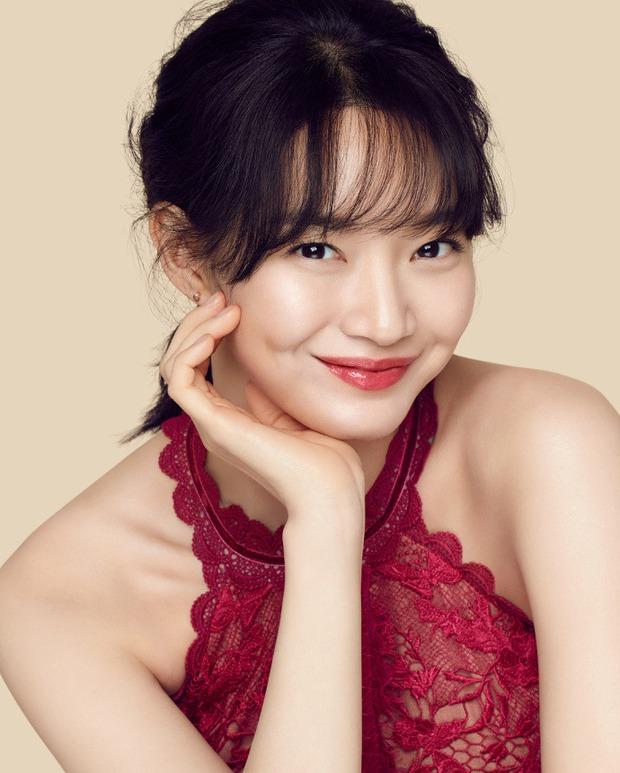 Lạ đời dàn mỹ nhân tăng cân vẫn đẹp hiếm thấy: Mỹ nhân Quân Vương Bất Diệt được khen nức nở, bạn gái Kim Woo Bin trẻ ra bất ngờ - Ảnh 2.