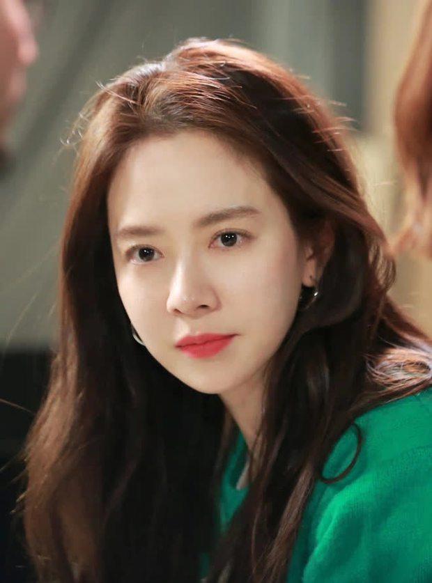 Knet bất ngờ đào lại ảnh mợ ngố Song Ji Hyo từ thời đóng Hoàng Cung, ăn thịt đường tăng hay gì mà trẻ vậy? - Ảnh 18.