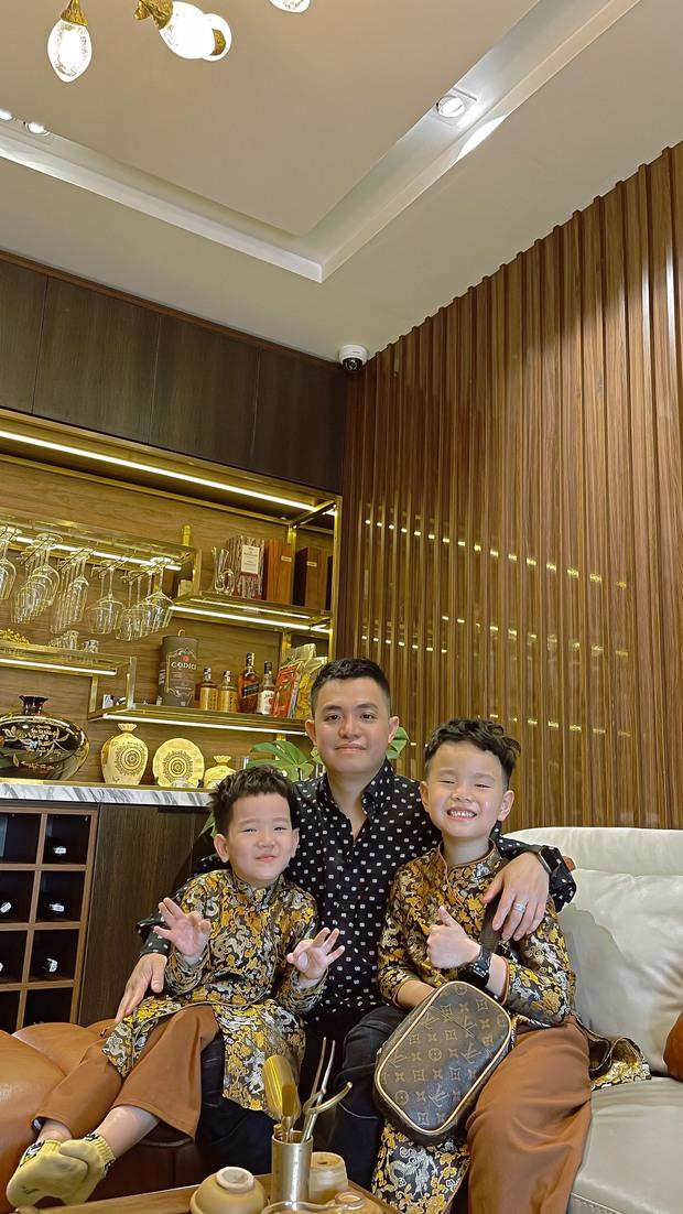 Nhà phố 2 mặt tiền của vợ chồng Hà Nội: Tổng giá trị 16 tỷ, vị trí đắc địa đối diện là hồ Tây, sau lưng là chung cư - Ảnh 2.