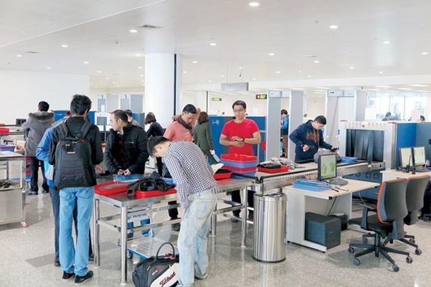 Nam hành khách trộm đồng hồ ở Nội Bài, bị an ninh hàng không bắt tại Cần Thơ - Ảnh 1.