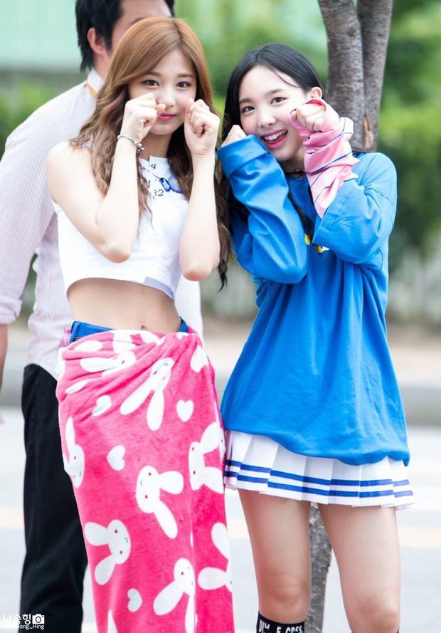 Mật báo Kbiz: Jennie - GD thao túng truyền thông, Nayeon bắt nạt Tzuyu, phẫn nộ nhất là tin Ji Soo - Kim So Hyun hẹn hò? - Ảnh 7.