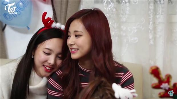 Mật báo Kbiz: Jennie - GD thao túng truyền thông, Nayeon bắt nạt Tzuyu, phẫn nộ nhất là tin Ji Soo - Kim So Hyun hẹn hò? - Ảnh 8.