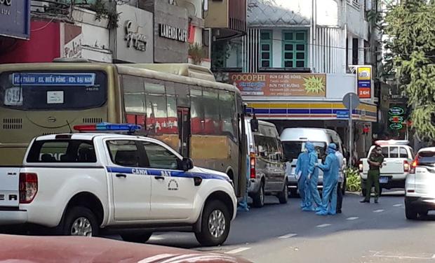 TP.HCM: Làm rõ hành vi khách sạn không khai báo 40 người Trung Quốc nhập cảnh trái phép vào lưu trú  - Ảnh 1.