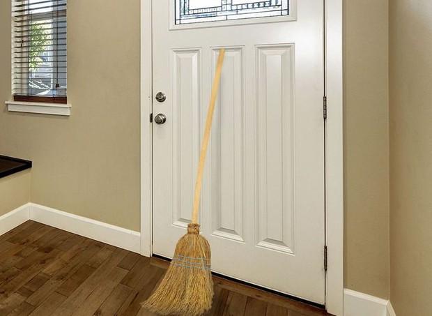 6 cách để bảo vệ ngôi nhà của bạn được tiết lộ từ chính... 1 tên trộm đã nghỉ hưu - Ảnh 4.