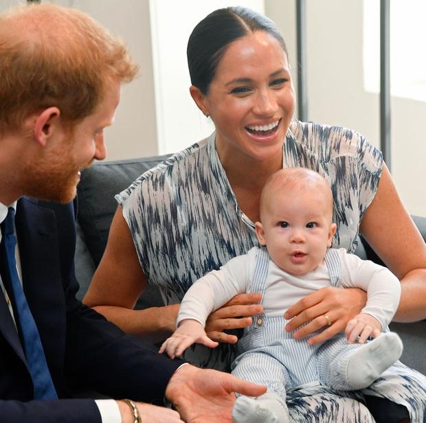 Khi rời bỏ Hoàng gia Anh, Meghan sẽ không phải sống như Công nương Kate mà tha hồ thực hiện những điều này khi nuôi dạy con - Ảnh 1.