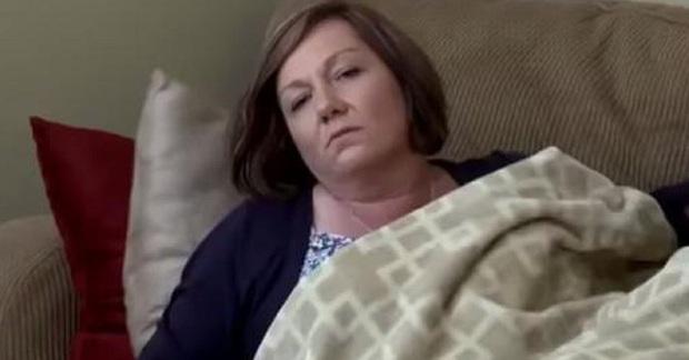 Người phụ nữ khỏe mạnh bỗng đổ bệnh, mất khả năng nói chuyện và đi lại suốt 10 năm rồi hồi phục thần kỳ nhờ thợ sửa nhà - Ảnh 1.