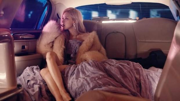 Teaser giật lag chất lượng thấp nhưng Rosé (BLACKPINK) chất lượng cao: Xinh đẹp, giàu có, sang chảnh hội tụ đủ trong 15 giây! - Ảnh 6.