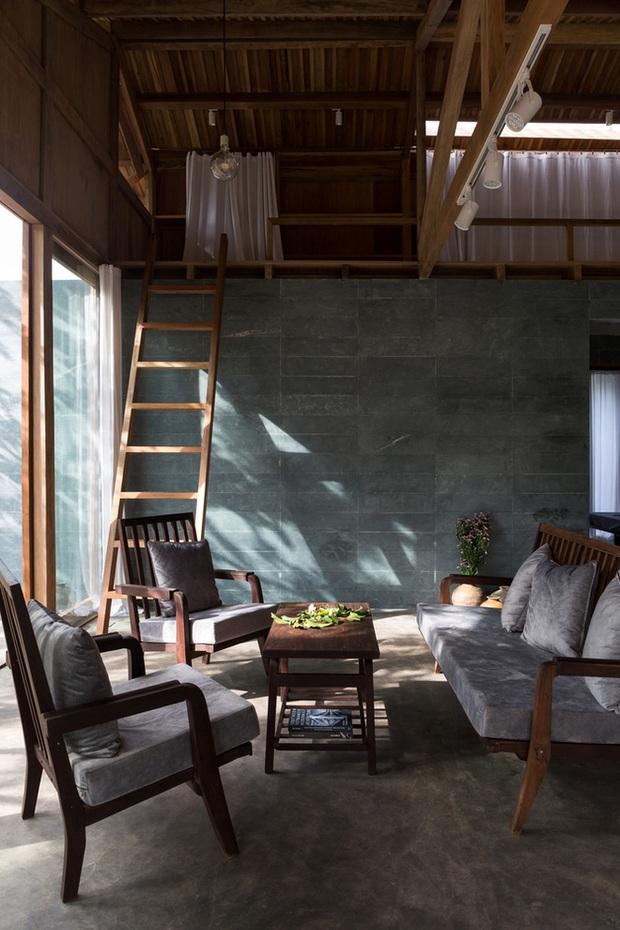 Huế: Ngôi nhà gỗ nằm trọn trong khu vườn ngập tràn hoa bưởi đẹp lạ trên báo Mỹ - Ảnh 14.