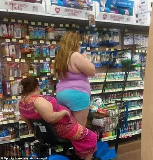 Dân mạng khắp thế giới chia sẻ những tình huống khó đỡ trong siêu thị - Ảnh 4.