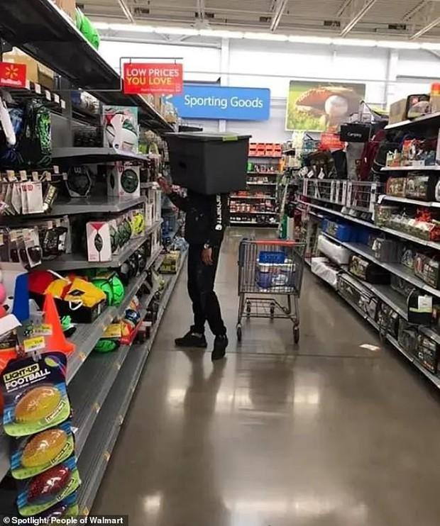 Dân mạng khắp thế giới chia sẻ những tình huống khó đỡ trong siêu thị - Ảnh 5.