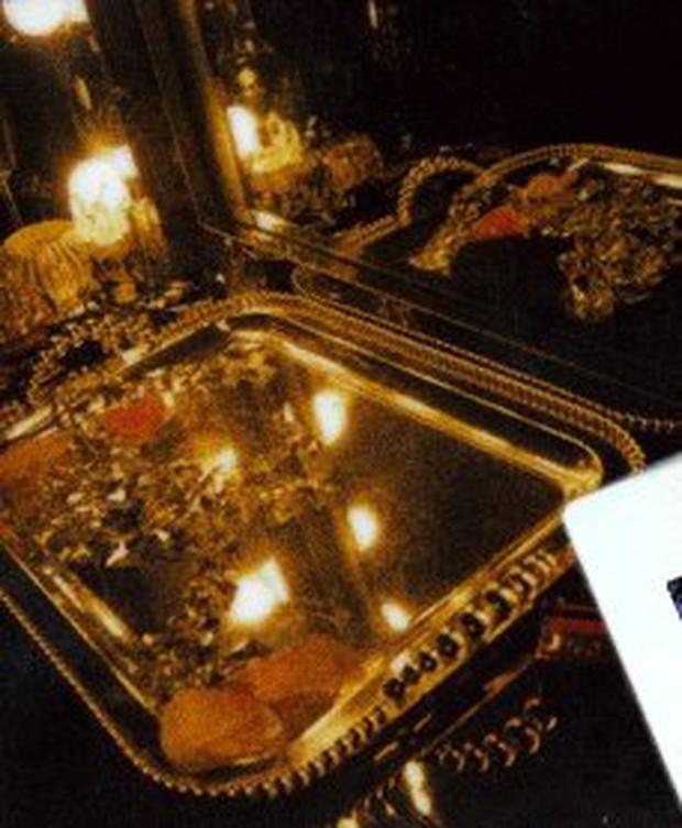 Phát tức vì cách YG quảng bá hời hợt cho solo của Rosé (BLACKPINK): Xài ảnh cũ, design phèn và thích đăng giờ nào thì đăng! - Ảnh 4.
