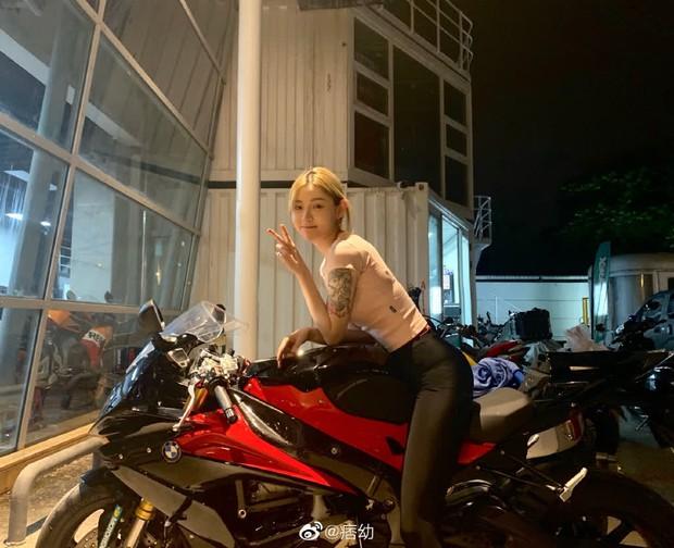 Nữ streamer nóng bỏng khiến dân tình choáng ngợp với độ chịu chơi, xứng danh nữ thần siêu xe hot nhất Trung Quốc - Ảnh 9.