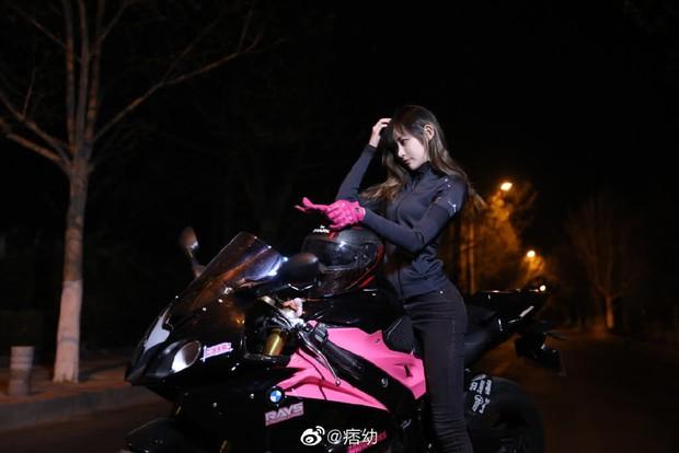 Nữ streamer nóng bỏng khiến dân tình choáng ngợp với độ chịu chơi, xứng danh nữ thần siêu xe hot nhất Trung Quốc - Ảnh 3.