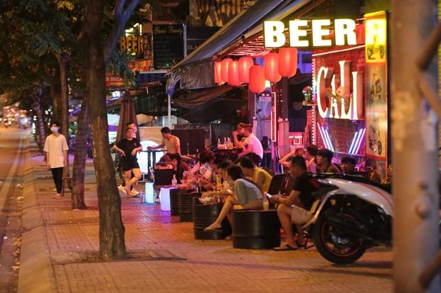 TP.HCM: Cho phép gym, beer club,… hoạt động trở lại, vũ trường, quán bar, karaoke tiếp tục dừng - Ảnh 1.
