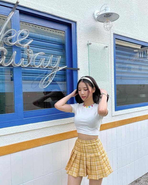 Sao Việt mặc gì ngày 8/3: Lệ Quyên sexy như gái 20, Amee diện crop-top khoe vòng eo không chút mỡ thừa - Ảnh 8.