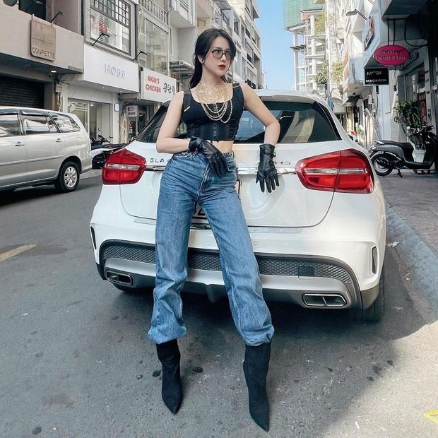 Sao Việt mặc gì ngày 8/3: Lệ Quyên sexy như gái 20, Amee diện crop-top khoe vòng eo không chút mỡ thừa - Ảnh 1.