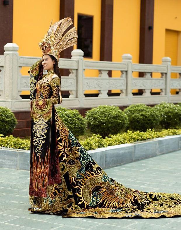 Next Top Model: Nàng Á hậu bị Võ Hoàng Yến dằn mặt cực gắt vì thản nhiên nhai kẹo cao su khi casting - Ảnh 6.