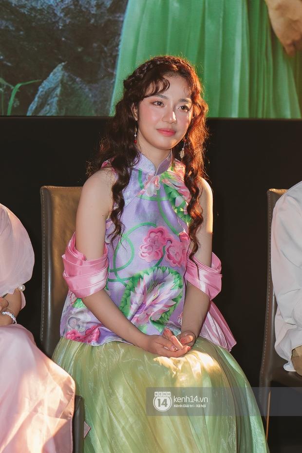 Vpop đón chào tân binh hát live tốt, được nhạc sĩ Hứa Kim Tuyền ví như sự giao thoa của Hoàng Thuỳ Linh và AMEE - Ảnh 16.