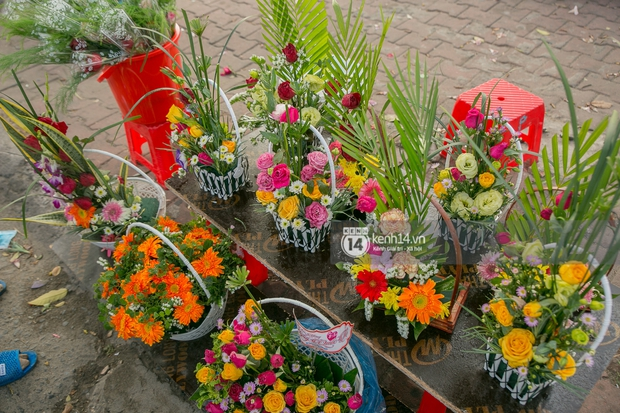 Hóng chuyện với bà bán hoa ngày 8/3: Có thanh niên đòi mua 1 tặng 1, tôi tò mò chẳng lẽ có 2 cô bồ hay gì? - Ảnh 7.