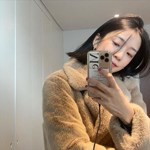 Bà xã Kang Gary được nhận xét có ngoại hình giống Song Ji Hyo? - Ảnh 3.