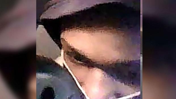 Cậu bé 12 tuổi bị bắt vì cầm súng đi cướp 4 chiếc xe chỉ trong 1 giờ - Ảnh 1.