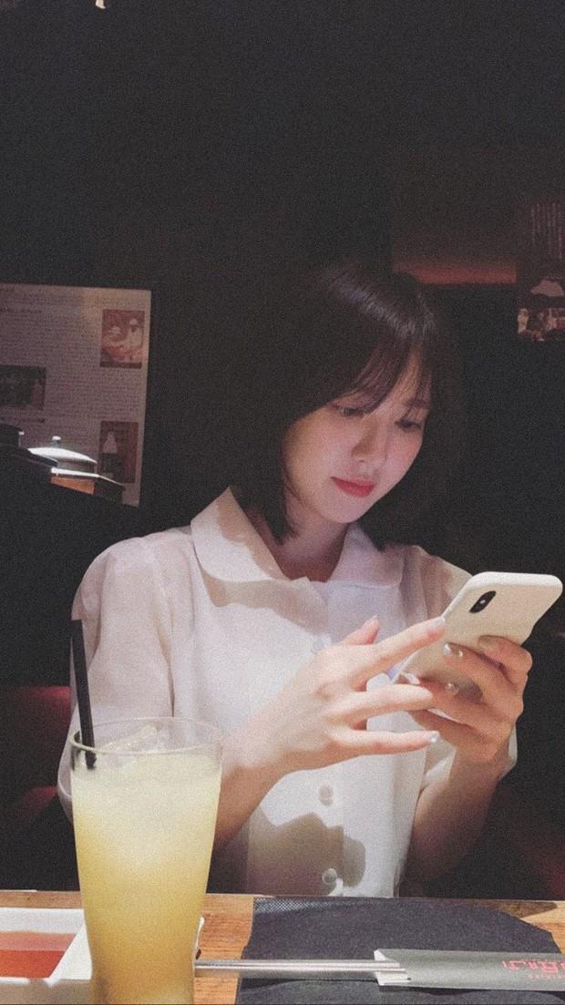 Tìm ra nữ idol có ảnh chụp điện thoại đi vào truyền thuyết: Kpop đã bỏ lỡ 1 báu vật nhan sắc như thế này? - Ảnh 7.