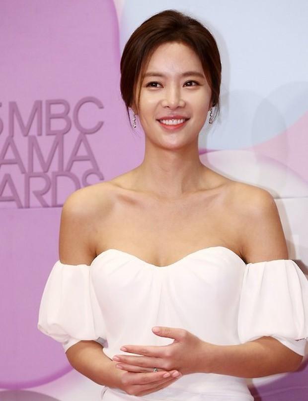 11 nữ ca sĩ Hàn lấn sân làm diễn viên nhưng chưa ai đoạt Daesang, netizen đặt cược cho Eugene của Penthouse nhé! - Ảnh 7.