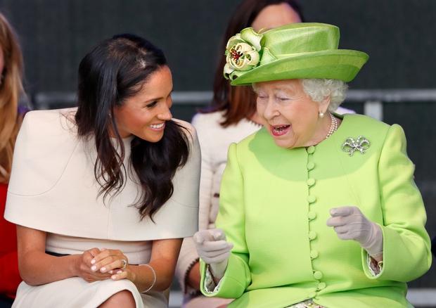 Vừa bị Nữ hoàng Anh lấy lại tất cả, Meghan Markle liền lên tiếng nhận xét về bà trong cuộc phỏng vấn Một Lần Kể Hết khiến dư luận bất ngờ - Ảnh 3.