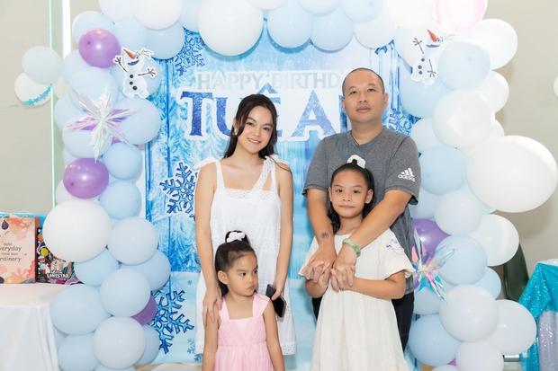 Phạm Quỳnh Anh - Quang Huy hội ngộ mừng sinh nhật con gái út, khung ảnh gia đình khiến netizen đồng loạt mong tái hợp - Ảnh 2.
