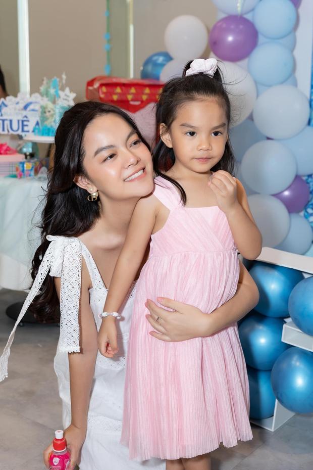 Phạm Quỳnh Anh - Quang Huy hội ngộ mừng sinh nhật con gái út, khung ảnh gia đình khiến netizen đồng loạt mong tái hợp - Ảnh 5.