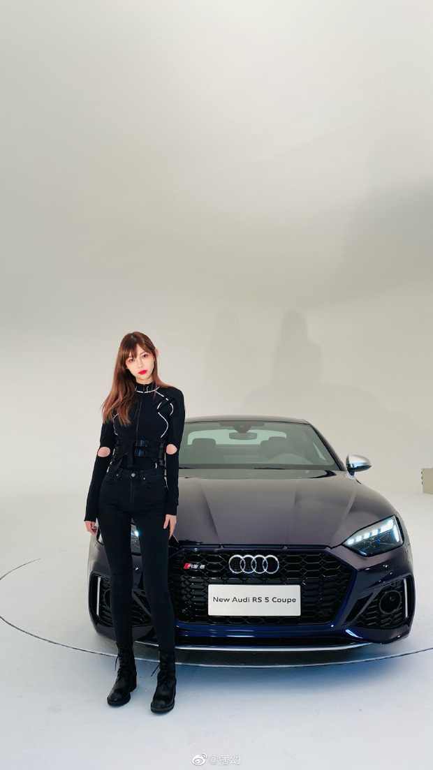 Nữ streamer nóng bỏng khiến dân tình choáng ngợp với độ chịu chơi, xứng danh nữ thần siêu xe hot nhất Trung Quốc - Ảnh 1.